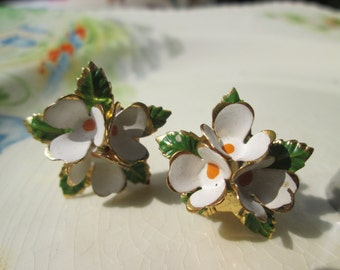 White Flower Enamel Clip Earrings