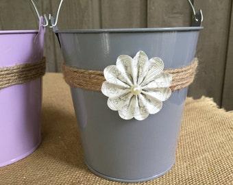 Flower girl pail/ flower girl basket/ flower girl/ wedding pail/ wedding basket/ pail/ wedding accessory/ farmhouse wedding/ barn wedding