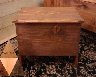 SCA Medieval Wooden Bench Chest. (Tudor Gothic)