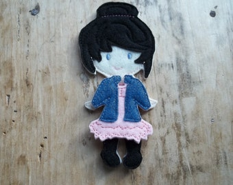 Non  Paper Felt Doll and outfit : Pefrect for pretend play. Fun for Dress Up.