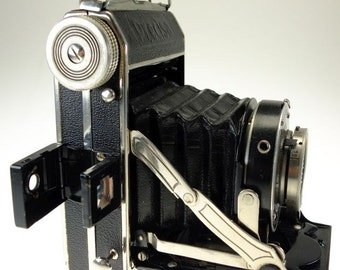 Woldemar Beier Precisa II with Anastigmat Erisar 7.5 cm f 3.5 Folding Camera with Leather Case Camera