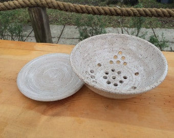 White speckled berry bowl