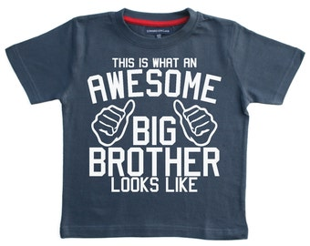 This is what an awesome Big Brother looks like Boys T-Shirt