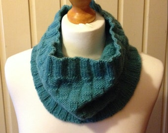 Hand Knit Cowl in 100% British Ramsdale Wool, Green