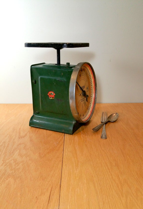 Vintage kitchen scale 1933 green rustic by blindedbydelight for Rustic kitchen scale