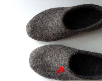 Heart slippers Felted wool Love clogs Felted leg warmest Handmade slippers Valentines day gift Womens slippers