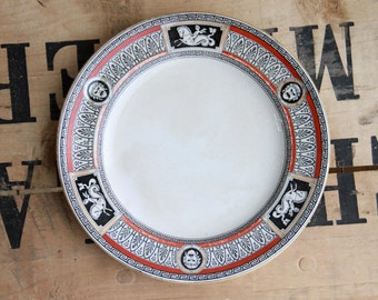 Pair of plates nineteenth century Gothic decorations - RARE