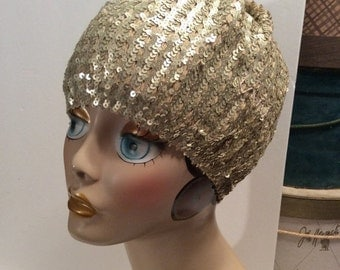 50% Off Sale Vintage D&Y 1980s Silver Gold Sequin Gatsby Flapper Cloche Hat