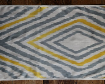 Handloomed Ikat Fabric UZ 18
