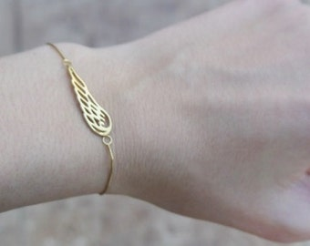 Angel Wing Bracelet, Sterling Silver Angel Wing on sterling silver chain, Silver Wing Bracelet, Friend, Sister