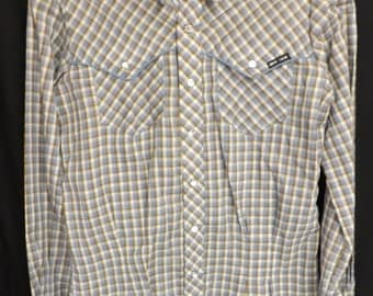SALE!!!! Vintage Woman's plaid western shirt! Grey brown and white! Pearlized snap buttons