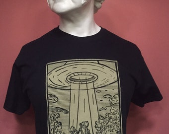 Volo Credere - Medieval Alien UFO Woodcut Shirt