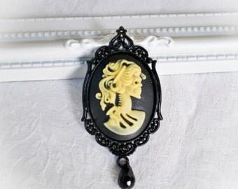 Black Gothic Skeleton Lady Brooch 30x40mm-Gothic Brooch-Gothic Jewelry-Brooch