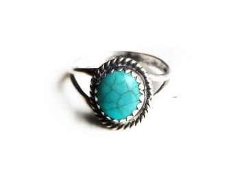 Sale- Vintage Sterling Silver Blue Turquoise Ring ~ Size 4.5 Retro Southwestern Boho Statement Ring