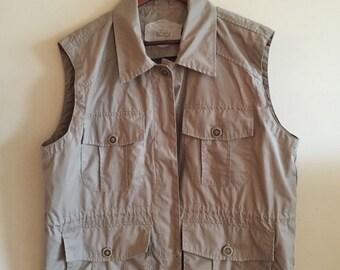 1980's Women's Woolrich Vest. Size Large.