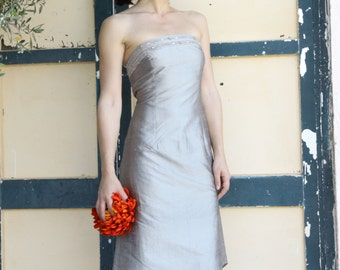 Vintage silver taffeta strapless dress with beads details.size S,M