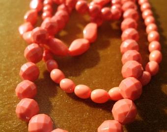 """Vintage """"coral"""" necklace"""