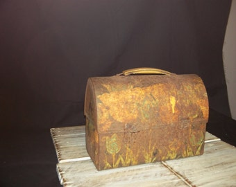Rustic Childs Lunch Box, Old  Childrens Lunch Box Decor