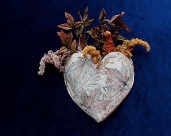 Autumn Wind Heart wall pocket