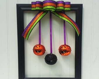 Halloween Picture Frame Wreath