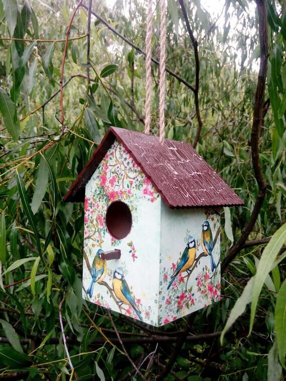 Outdoor birdhouse garden decor wooden bird house decorative for Decorative birds for outside