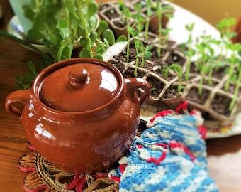 Medalta Bean Pot