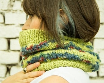 Chunky apple green scarf, bright wool snood, Christmas knit gift, winter accessory, upcycled wool
