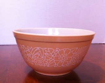 "Pyrex ""Woodland"" Mixing Bowl #402"