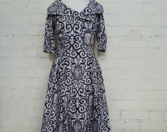 1950s Vintage Thick Cotton Dress Black and White French Toile Pattern
