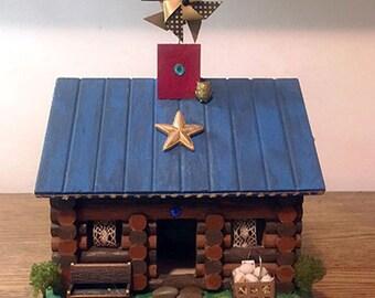Gold Star Log Cabin Birdhouse