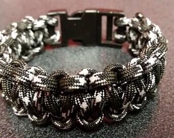 Urban camo paracord bracelet