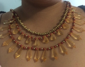 Lovely beaded necklace with gems!!
