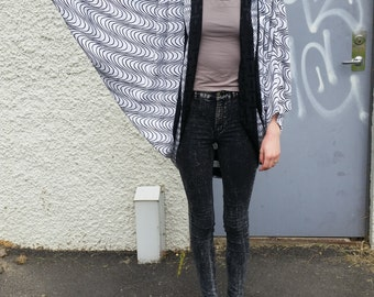 Statement top with batwing sleeves // 80s, top, jacket // retro, vintage