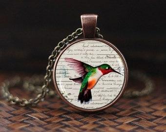 Humming Bird Necklace, Humming Bird Pendant, Humming Bird Jewelry, Nature Jewelry, Humming Bird Gift, Bird Necklace, Victorian Birds Pendant