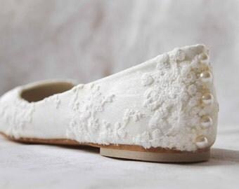 White wedding shoes lace flats lace bridal shoes lace white wedding shoes white bridal shoes lace bridal flats women's shoes flats size 7.5