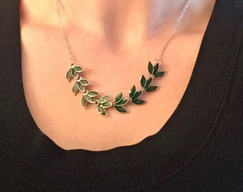 Leaf Statment Necklace, Green Leaf Bib Necklace, Leaf Bib Necklace, Leaf Necklace