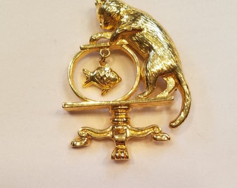 "Gold-toned Avon ""Gone Fishing"" Kitty Pin"