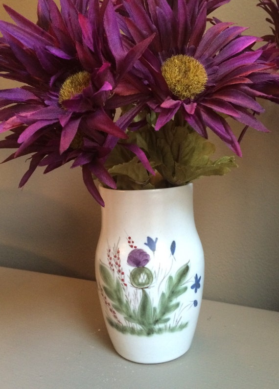 Christmas sale 15% off, Thistleware by Buchan a 6 inch beautiful hand painted vase! Made in Scotland