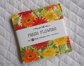 Fresh Flowers - Charm Pack - 42 Pieces - Deb Strain - Moda Fabric