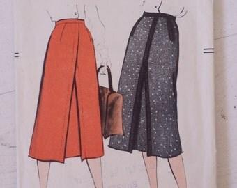 Vintage 50's Vogue 9388 Skirt Sewing Pattern Size 14 Waist 26