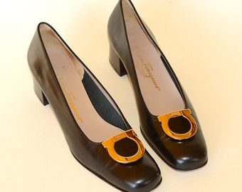 "Ferragamo Womens Vintage Black Patent Leather Shoes, Gold Buckle, 2"" Stacked Heel Pumps, Size 10, AAAA Shoes"