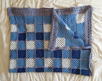 Granny square blanket Country blue