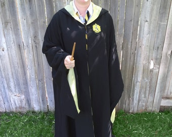 Wizarding robe with Harry Potter patch / Wizarding Cloak / Hufflepuff / Gryffindor / Slytherin / Ravenclaw