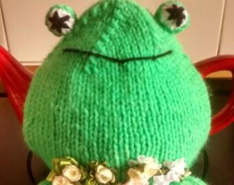 Frog+waterlillies tea cosy.