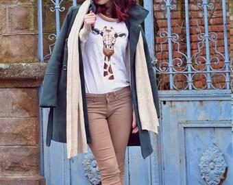 La girafe - hand painted t-shirt
