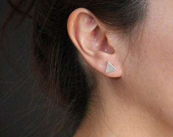 Silver triangle studs, minimal earrings, triangle studs, geometric earrings, minimalistic earrings, silver earrings