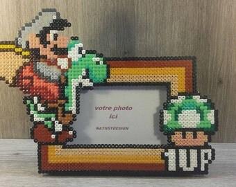 pixel art inspired by Mario 1 up mushroom