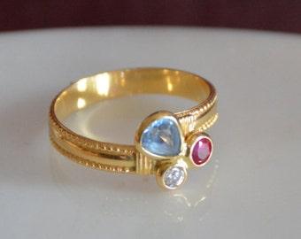 Trilogy Gemstone Ring in 18K Gold