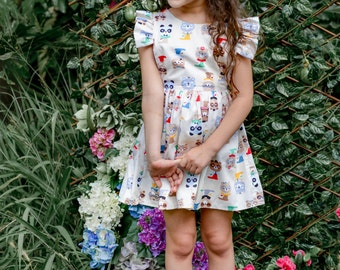 Open back girls dress. summer dress with ruffled shoulders and colorful bear print. By Berry and Kit. size 18M-6Y