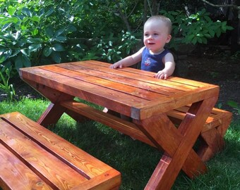 Childrens picknick table